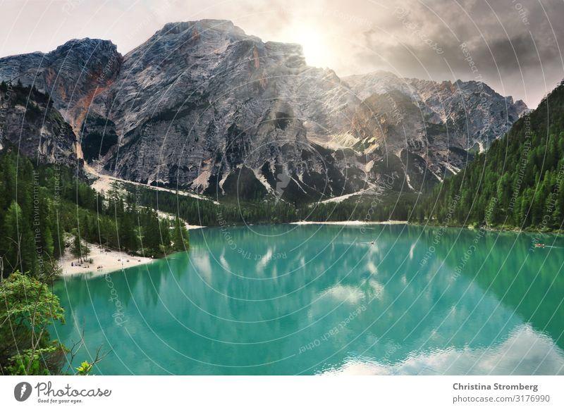 Pragser Wildsee Ferien & Urlaub & Reisen Tourismus Ausflug Berge u. Gebirge wandern Südtirol Italien Natur Alpen See Dolomiten Gebirgssee Naturschutzgebiet