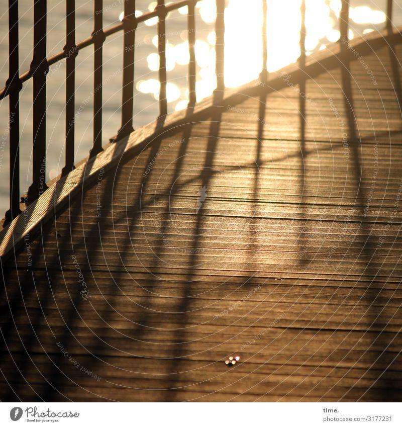 Geschichten vom Zaun (X) Wasser Küste Wege & Pfade Geländer Holz Metall Linie maritim Gefühle Stimmung Glück Lebensfreude Sicherheit Schutz Romantik schön