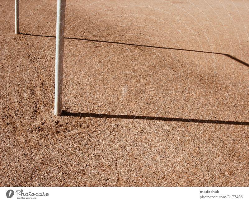 Schatten Sport Sportstätten Fußballplatz Sportplatz Tor sportlich Farbfoto Gedeckte Farben mehrfarbig Außenaufnahme Muster Strukturen & Formen Menschenleer