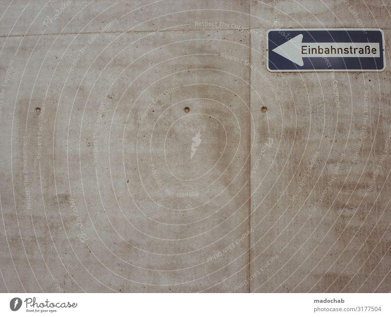 Zeichen 220-10 Einbahnstraße Straßenschild Hinweis Richtung Mauer Wand Fassade Verkehr Verkehrswege Personenverkehr Autofahren Wege & Pfade Verkehrszeichen