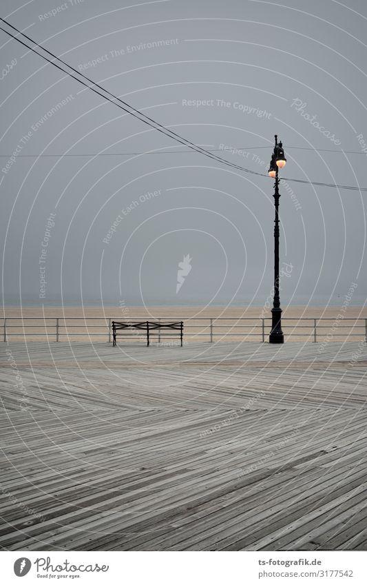Laterne, Laterne, am Strand steht sie sehr gerne Natur Urelemente Wasser Himmel Horizont Küste Seeufer Meer New York City Coney Island USA Straße Wege & Pfade