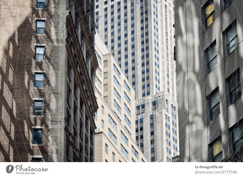 New Yorker Kubismus New York City Manhattan Stadtzentrum Menschenleer Haus Hochhaus Bauwerk Gebäude Architektur Mauer Wand Fassade Fenster Beton Glas Backstein