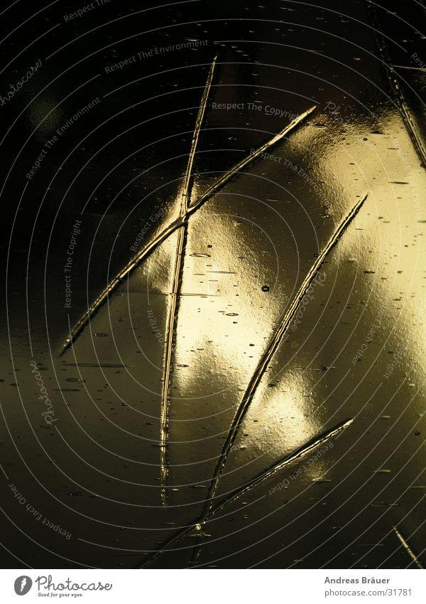 XL Glasscheibe Licht Buchstaben Haus schwarz Sonnenlicht obskur Schatten Nahaufnahme
