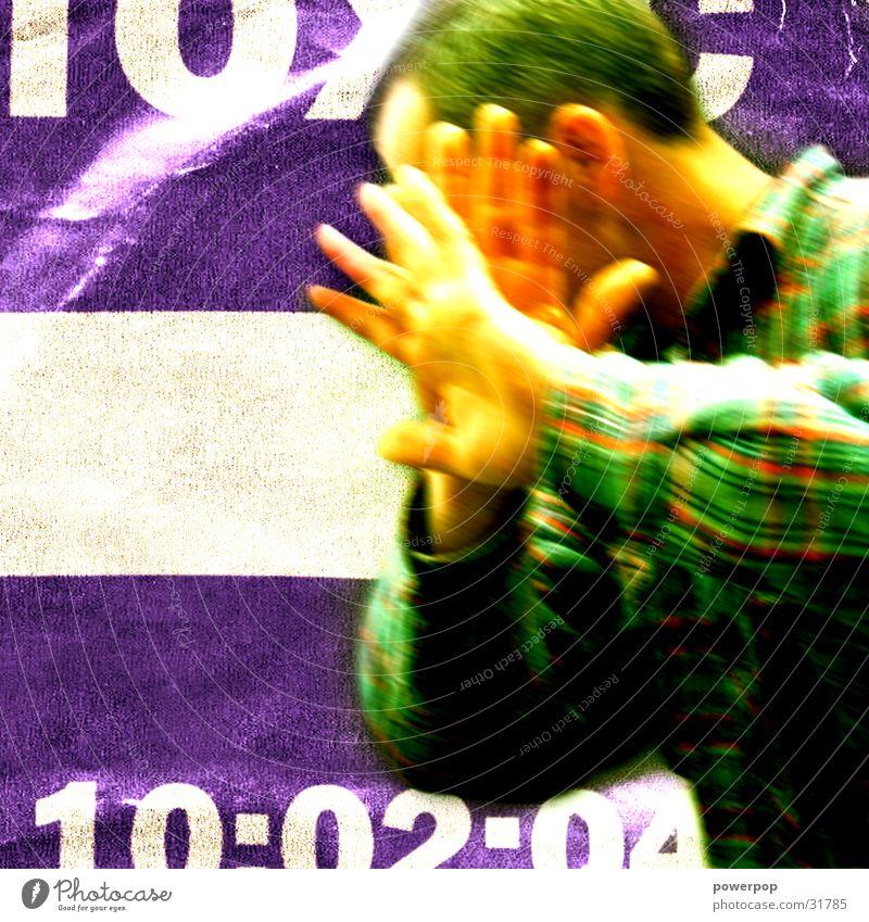 ... not me sucka! Mann Hand kariert Hemd Kurzhaarschnitt grün violett mehrfarbig Oberkörper Stil Mensch Boy Defensive Haare & Frisuren Ohr Rücken anonym Gesicht