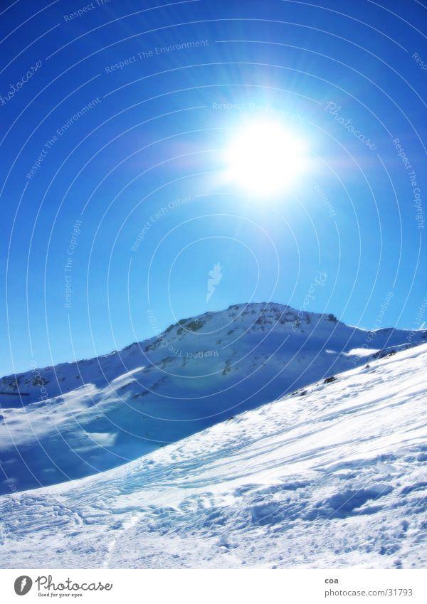 Winter Sonne blau Schnee Berge u. Gebirge Stein Beleuchtung Schweiz Skipiste Flims