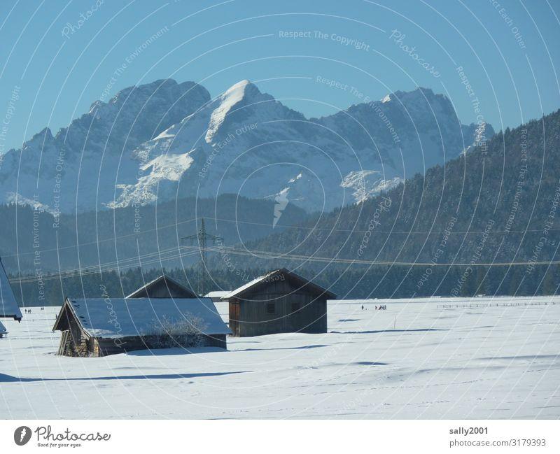 Winteridylle... Natur Landschaft Erholung Einsamkeit ruhig Ferne Berge u. Gebirge kalt Schnee Zufriedenheit Idylle Schönes Wetter Alpen Schneebedeckte Gipfel