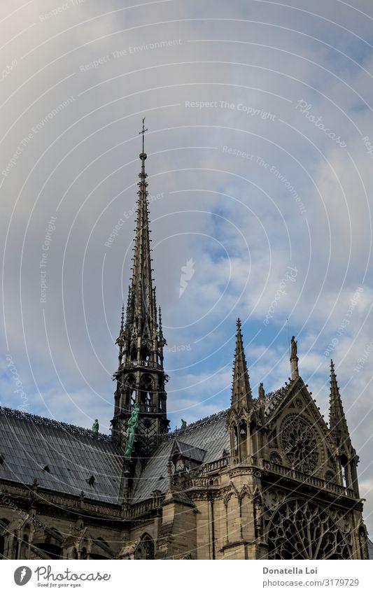 Einzelheiten zu Notre Dame Himmel Kirche Dom Denkmal alt Religion & Glaube Notre-Dame Andere Keywords Paris Kathedrale Textfreiraum berühmt Frankreich gotisch