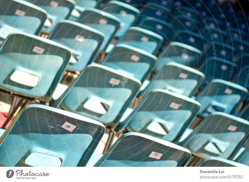 Gruppe von Vorsitzenden Stuhl Menschengruppe Theater Platz Kunststoff Ziffern & Zahlen Schilder & Markierungen Linie Billig blau leer viele zählen Reihe Sitz
