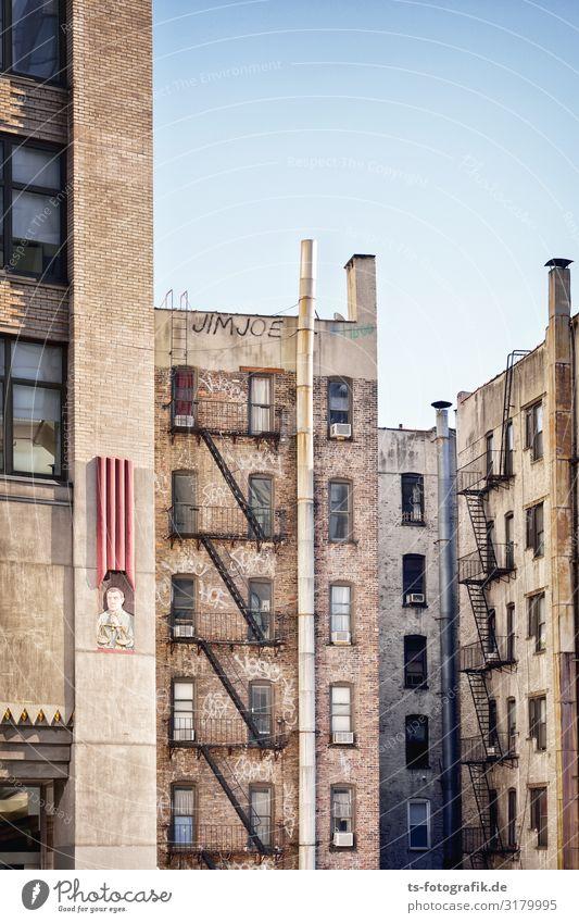 Fensterln- und Feuerleiterln in Manhattan Sightseeing Städtereise Leiter New York City Bronx Stadt Stadtzentrum Skyline Haus Hochhaus Bauwerk Gebäude