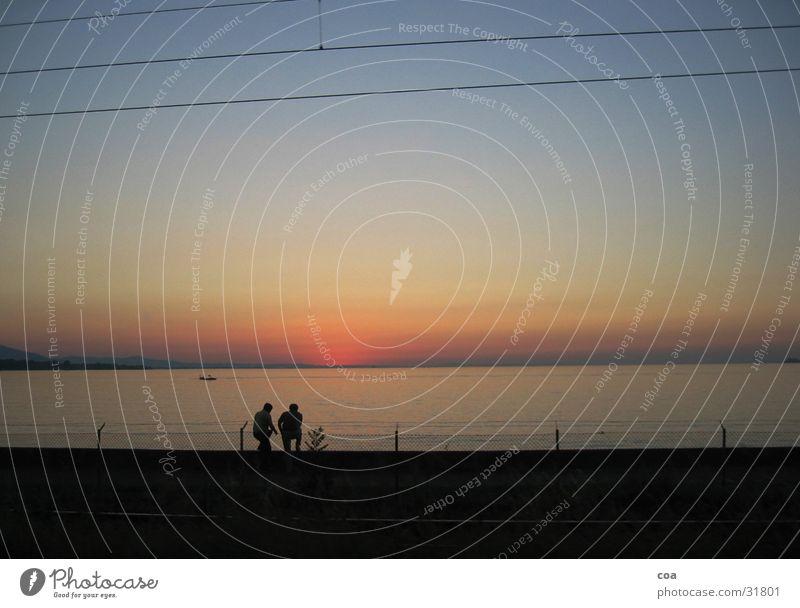 Abendliches Intermezzo Sonnenuntergang sprechen Paar Mensch Verabredung paarweise