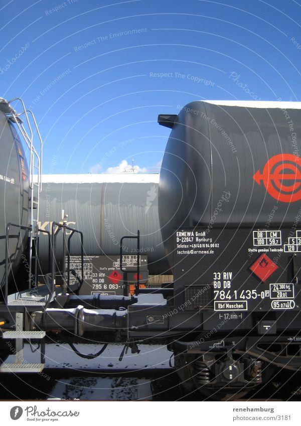Transport Verkehr Eisenbahn Gleise Tank Güterbahnhof