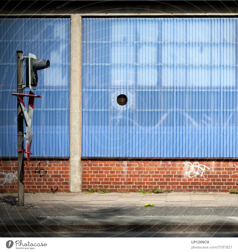 LG Technik & Technologie High-Tech Lüneburg Menschenleer Industrieanlage Fabrik Bahnhof Hafen Mauer Wand Fassade Verkehr Verkehrsmittel Verkehrswege