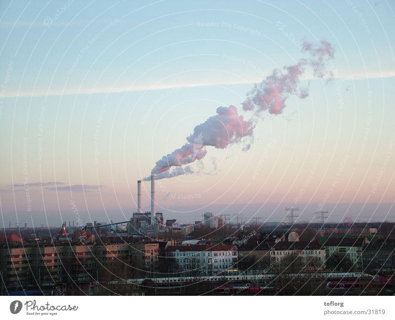 Rauchender Schlot Stadt Wolken Berlin Umwelt Industrie Rauch Schornstein Stromkraftwerke