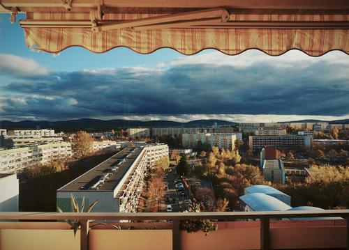 Blockade Himmel Stadt Baum Haus Wolken Ferne Fenster Straße Herbst Wand Gebäude Deutschland Mauer Horizont PKW Aussicht