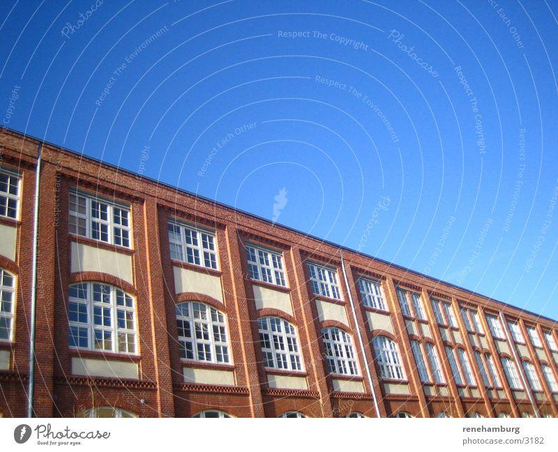 Alt-Moabit Himmel blau Fenster Architektur groß Vorderseite