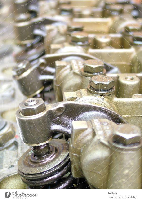 Taktgeber Motor Nockenwelle Ventil Schraube Eisen Elektrisches Gerät Technik & Technologie Zylinderkopf Metall Regen Dieselmotor Mercedes-Benz