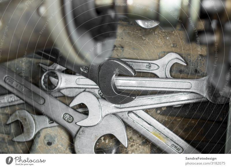 Repair and parts of a compact loader Arbeitsplatz Dienstleistungsgewerbe Handwerk Werkzeug Arbeit & Erwerbstätigkeit Kraft repair repairing industrial machine