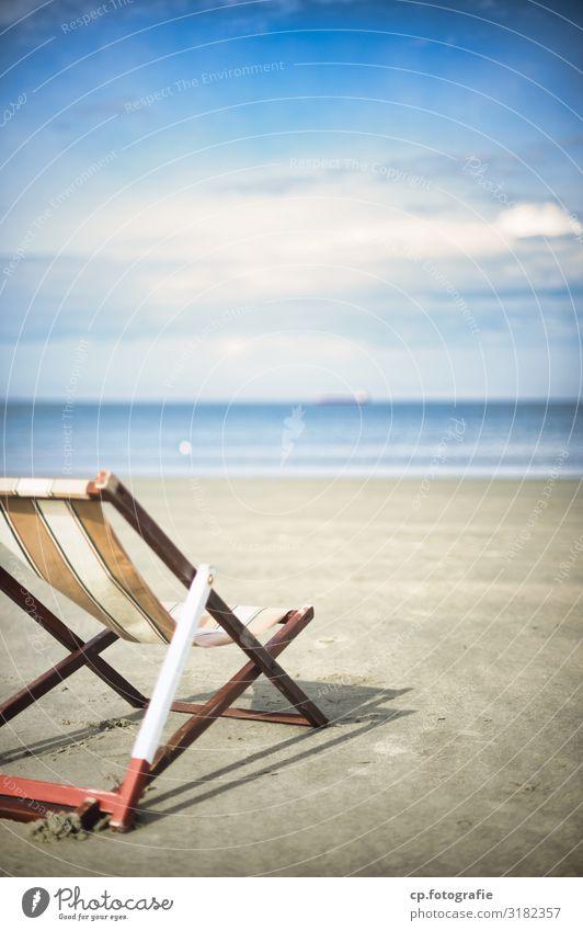 Sonnendeck Nr. 2 Ferien & Urlaub & Reisen Sommer Sommerurlaub Sonnenbad Strand Meer Wellen Schönes Wetter Nordsee Lebensfreude Vorfreude Liegestuhl Wolken