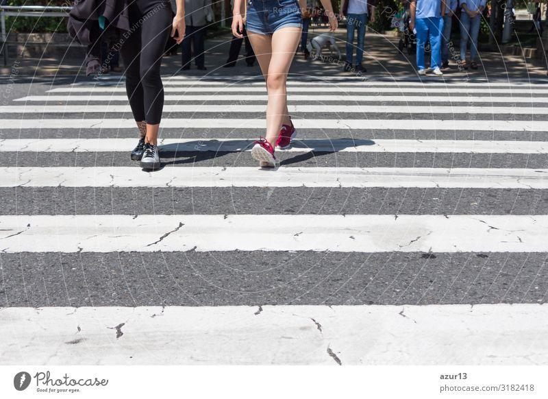Pedestrian crossing city downtown women walk in motion on road Lifestyle kaufen Leben Mensch Frau Erwachsene Stadtzentrum Streifen Stress pedestrian crosswalk