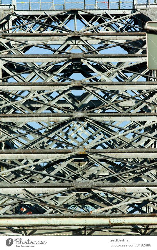 Brücke über die Elbe Altstadt Architektur Blaues Wunder Dresden Elbufer Hauptstadt Ferien & Urlaub & Reisen Reisefotografie Sachsen Stadt Städtereise Tourismus