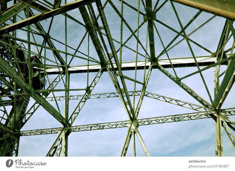 Hellgrünes Wunder Altstadt Architektur Blaues Wunder Brücke Dresden Elbufer Hauptstadt Ferien & Urlaub & Reisen Reisefotografie Sachsen Stadt Städtereise