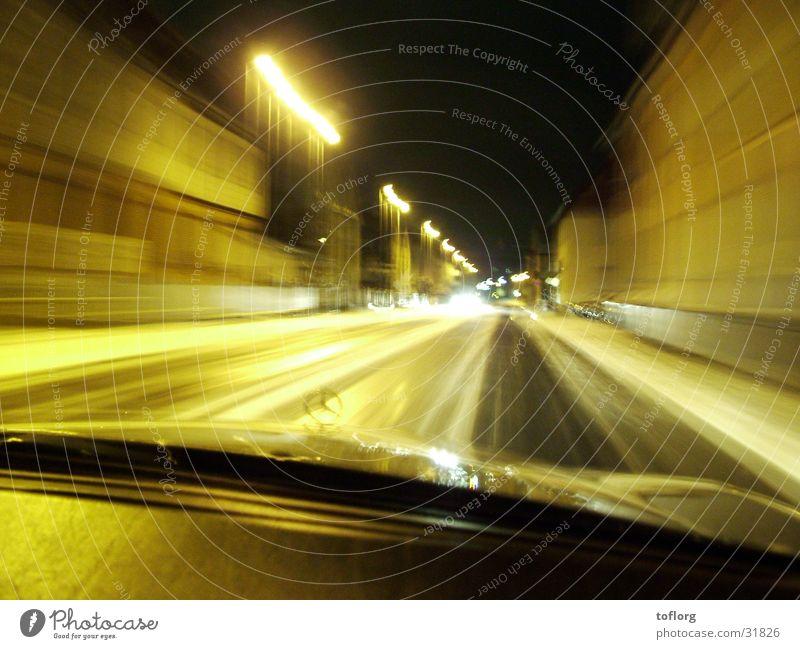 Nightdrive Verkehr Licht Nacht PKW Schnee Alkoholisiert