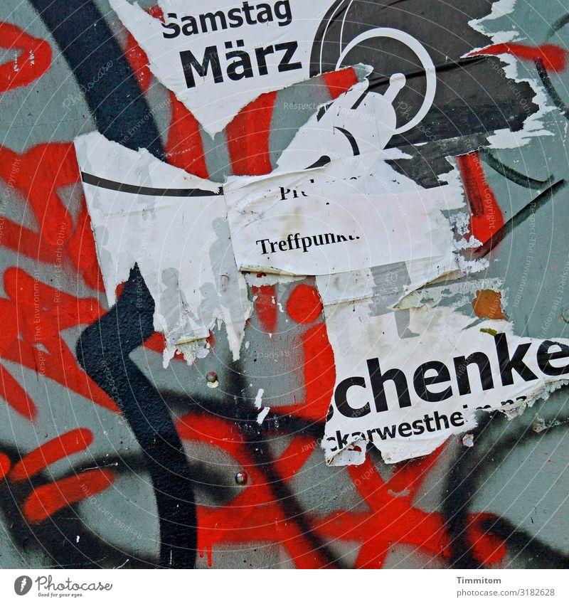 Ah, verpasst! Zeichen Schriftzeichen Kommunizieren grau rot schwarz weiß Gefühle Vergangenheit Vergänglichkeit Plakat Plakatwand graphisch Farbfoto