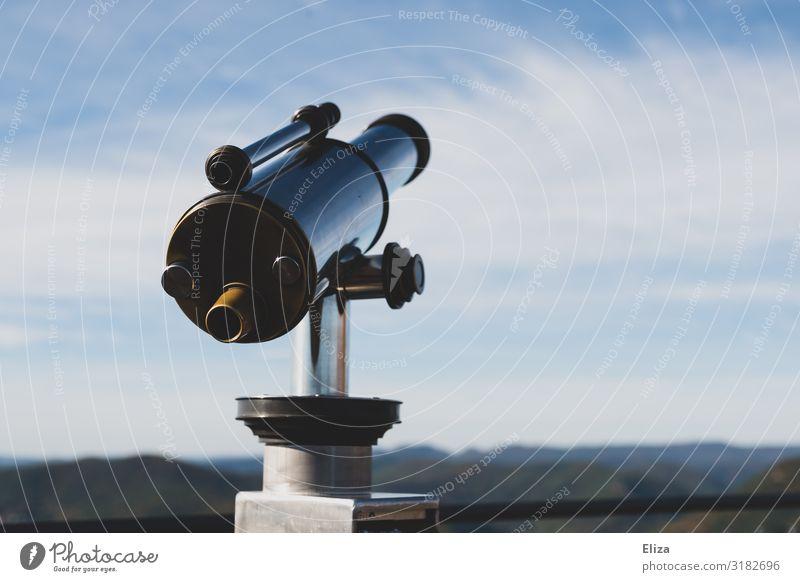 Mal gucken was 2020 so bringt... Fernglas Zukunft Teleskop Aussicht vorhersagen Himmel Farbfoto Außenaufnahme Menschenleer Textfreiraum rechts Textfreiraum oben