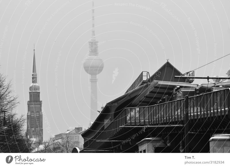 Ecke Schönhauser Prenzlauer Berg Schönhauser Allee Stadt Hauptstadt Stadtzentrum Altstadt Fußgängerzone Skyline Menschenleer Kirche Sehenswürdigkeit Fernsehturm