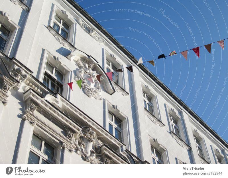 Straßenfest Himmel Stadt Farbe Haus Fenster Architektur Wand Berlin Feste & Feiern Gebäude Tourismus Mauer Fassade Häusliches Leben Dekoration & Verzierung