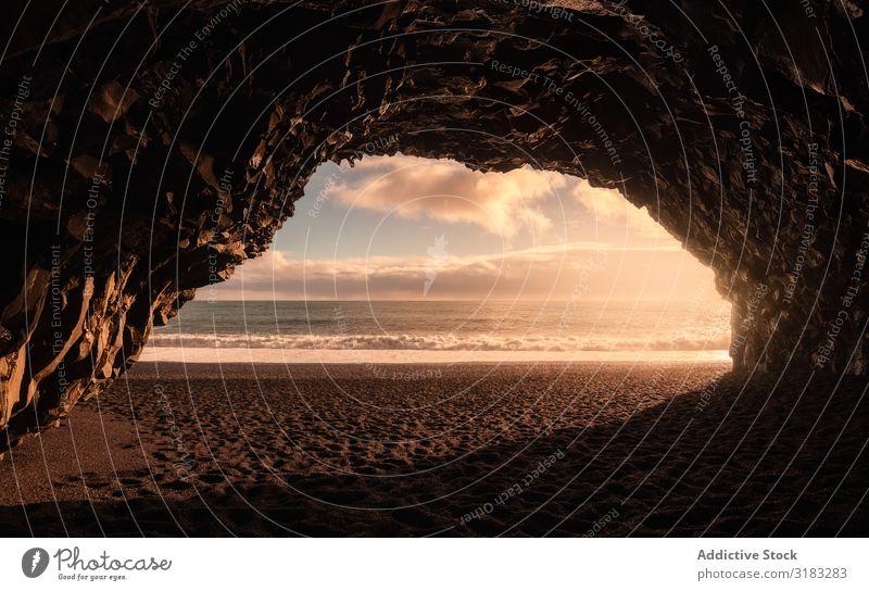 Meereshöhle am Reynisfjara Beach, Island Höhle Strand schwarz Sand Küste Süden schön Natur Hintergrundbild Himmel Ferien & Urlaub & Reisen Landschaft