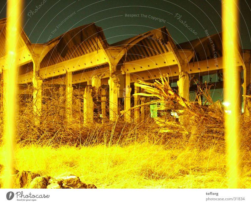 Nach dem Inferno Architektur Industriefotografie Fabrik Ruine Aktien