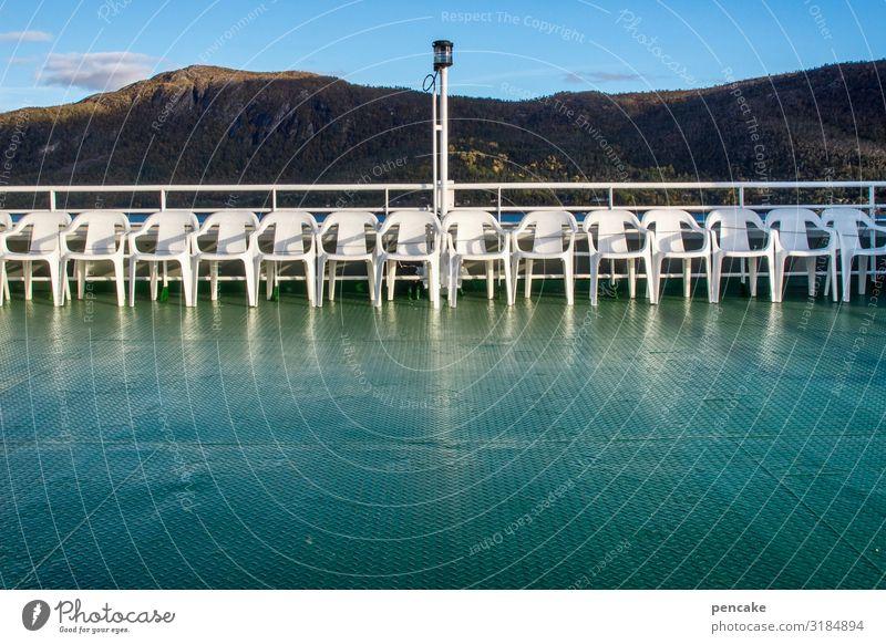bestuhlung mit geländer Natur Landschaft Küste sitzen stehen leer Stuhl Geländer fahren Schifffahrt Norwegen Fjord Reling Fähre Norwegenurlaub