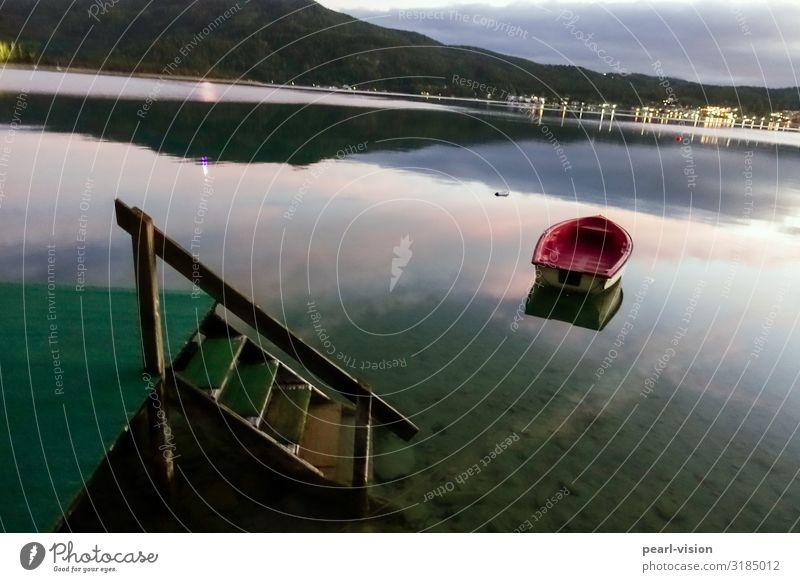 bootssteg Natur Landschaft Sonnenaufgang Sonnenuntergang Herbst See Wörthersee Treppe Steg Ruderboot ruhig Farbfoto Außenaufnahme Menschenleer Abend