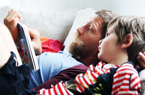 geschriebenes   zum vorlesen maskulin Kind Junge Mann Erwachsene Eltern Vater Familie & Verwandtschaft Kindheit Kopf Haare & Frisuren Gesicht Auge Ohr Nase Mund