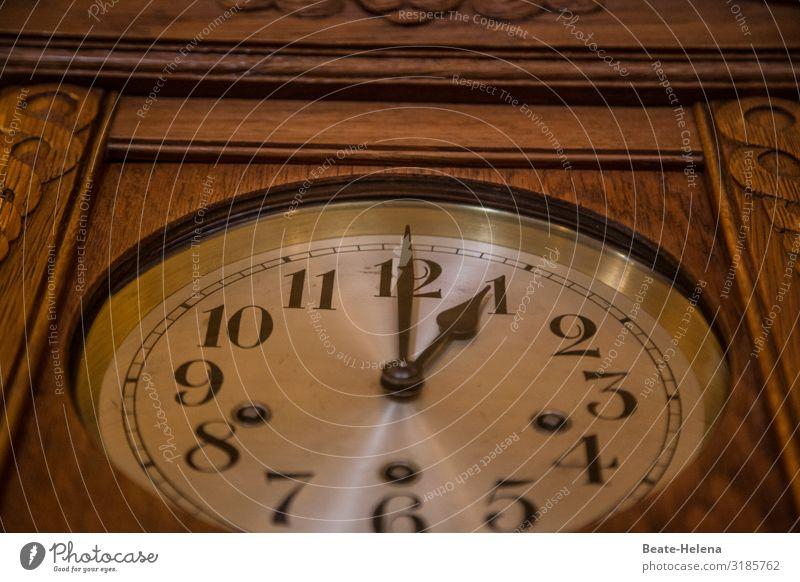 Ein(e) Uhr Lifestyle Stil Design Erholung ruhig Häusliches Leben Innenarchitektur Dekoration & Verzierung Technik & Technologie Uhrenzeiger Kunstwerk