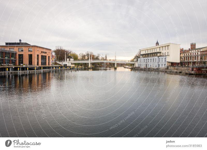 die stadt im fluss (3). Ferien & Urlaub & Reisen Tourismus Feierabend Umwelt Wasser Himmel Schönes Wetter Flussufer Brandenburg an der Havel Stadt Altstadt