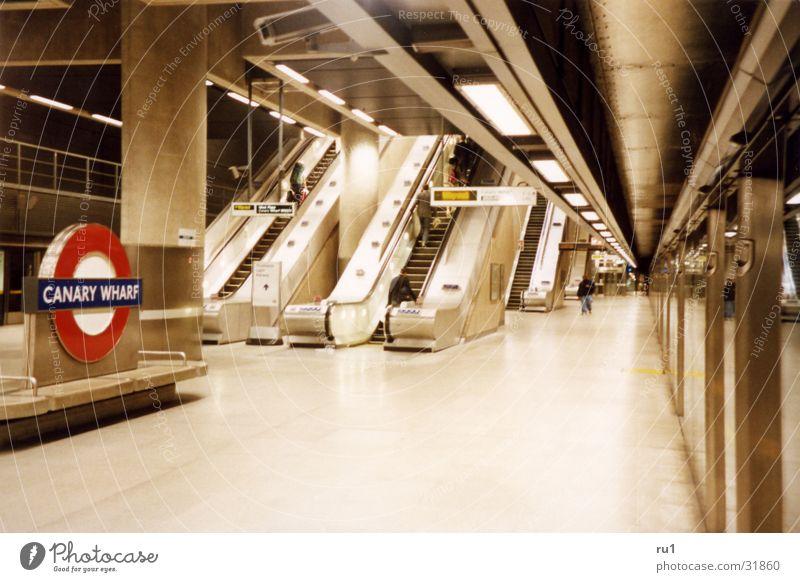 London Tube-3 Bewegung Verkehr Mobilität London Rolltreppe England