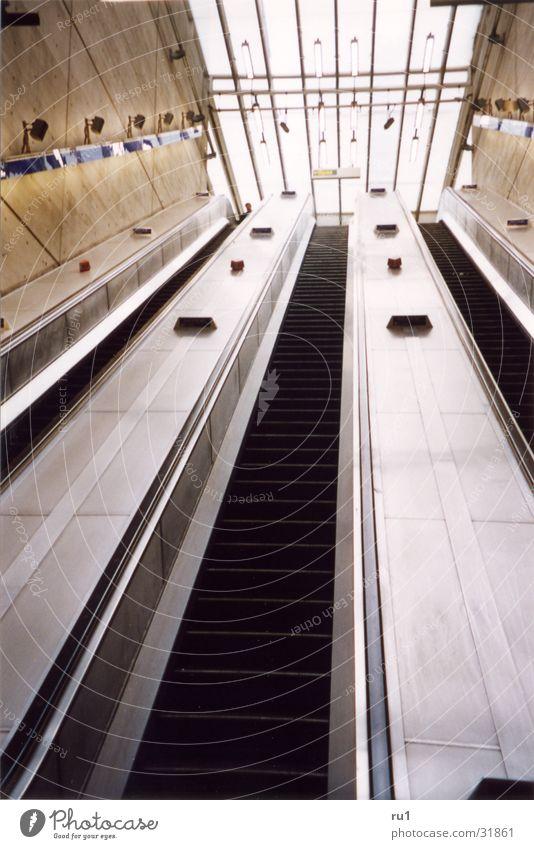 London Tube-4 Bewegung Verkehr Mobilität Rolltreppe