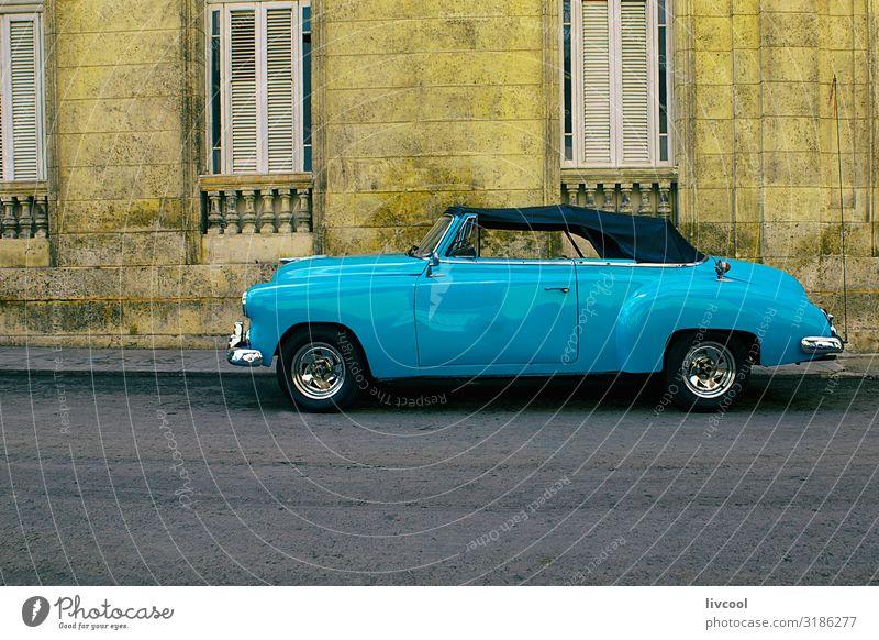 altes blaues Auto, Havanna -Kuba Lifestyle Leben Ferien & Urlaub & Reisen Tourismus Ausflug Insel Regen Verkehr Straße Fahrzeug PKW Taxi Oldtimer fahren