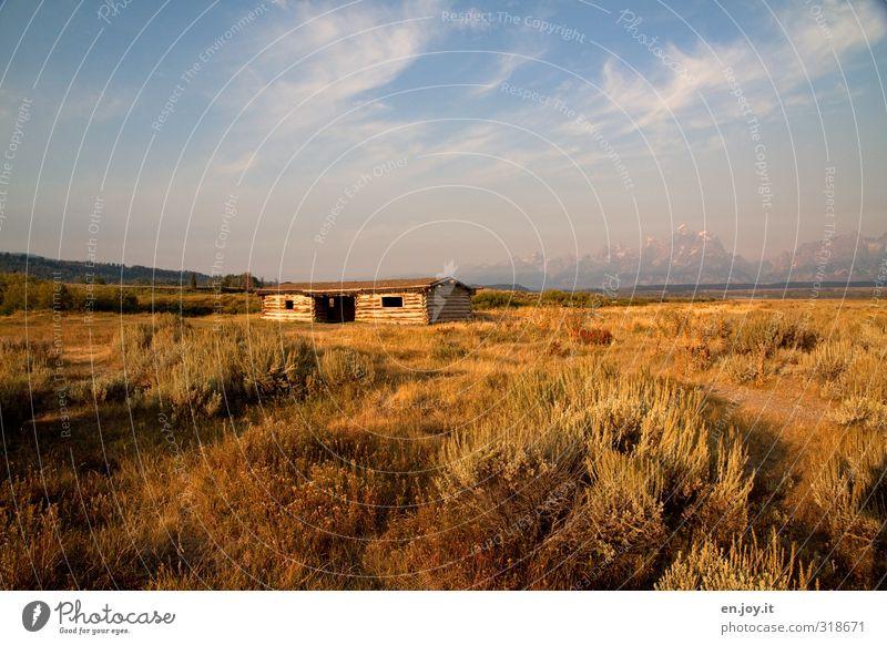 Home Sweet Home Himmel Natur blau Ferien & Urlaub & Reisen alt Pflanze Einsamkeit Landschaft gelb Ferne Berge u. Gebirge Herbst Wege & Pfade Freiheit klein