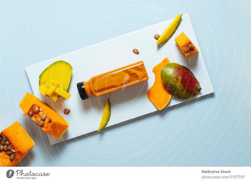 Mango und Kürbis-Smoothie Milchshake Lebensmittel trinken Frucht Flasche Vegane Ernährung Saft Gesundheit Frühstück Hintergrundbild lecker Getränk Coolness