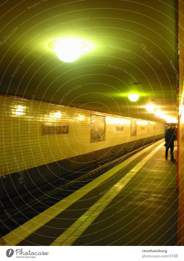 Berliner U-Bahnhof Station