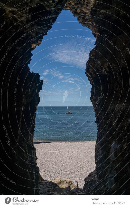 Blick in die Unendlichkeit Ferne Freiheit Sommer Strand Meer Wasser Himmel Schönes Wetter Küste Atlantik Segelboot beobachten entdecken einfach Flüssigkeit