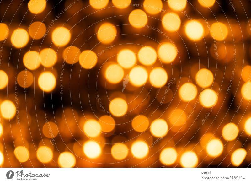 noch mehr Lichter Kirche Kerze leuchten einfach Freundlichkeit Zusammensein Unendlichkeit heiß hell rund schön Wärme gold Gefühle Stimmung Zufriedenheit