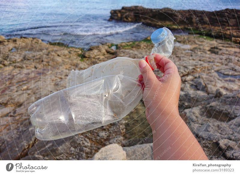 Mensch Natur Sommer Stadt Wasser Landschaft Hand Strand Lifestyle Leben Umwelt Reinigen Getränk trocken Kunststoff Müll