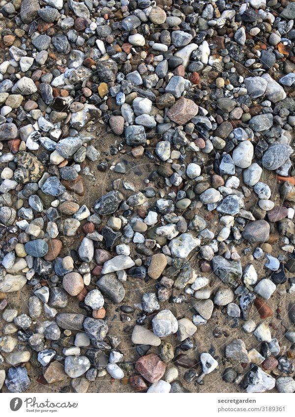 Autsch! Autsch! Autsch! Kieselsteine Kieselstrand Kiesgrube Steine Strand Muster kiesbedeckt Kiesbett bunt minimalistisch Sand pieksig steinig steiniger weg