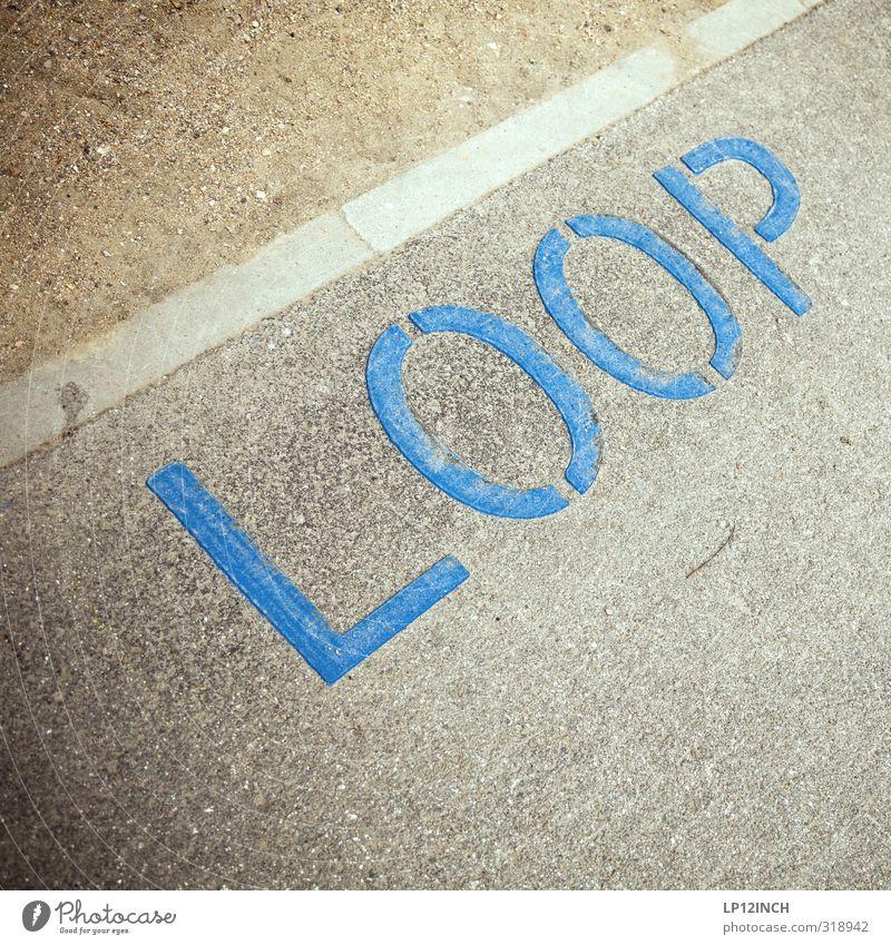 WILHELMSBURG | POOL blau Stadt Bewegung Wege & Pfade Sand Kunst Schilder & Markierungen wandern Tourismus Schriftzeichen Ausflug Hinweisschild Zeichen Asphalt