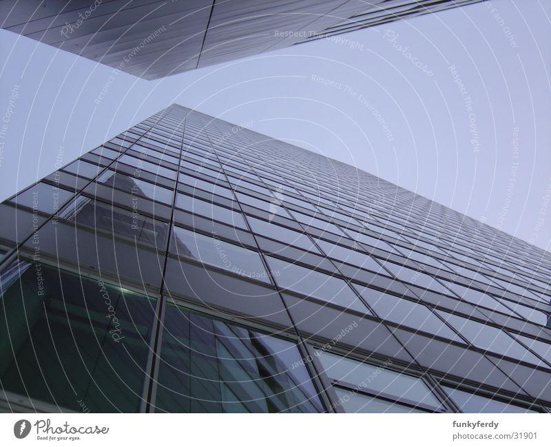 Kölntower im Mediapark I blau Arbeit & Erwerbstätigkeit Business Architektur Hochhaus modern Quadrat