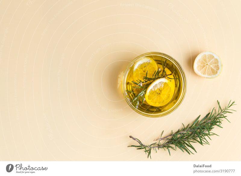 Rosmarin und Zitronen Qualitätsöl Gemüse Kräuter & Gewürze Ernährung Diät Flasche Behandlung Alternativmedizin Medikament Wellness Erholung Duft Spa Natur